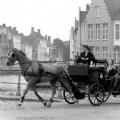 th_18844_Brugge-rondleidingmetkoetsenpaar2(zwartwit).jpg